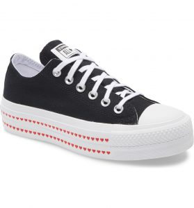 Converse Live Fearlessly Platform Black Sneaker with White Sole with Read Hearts on them